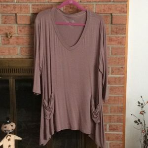 LOGO Tunic with pockets.  Never worn. 1X